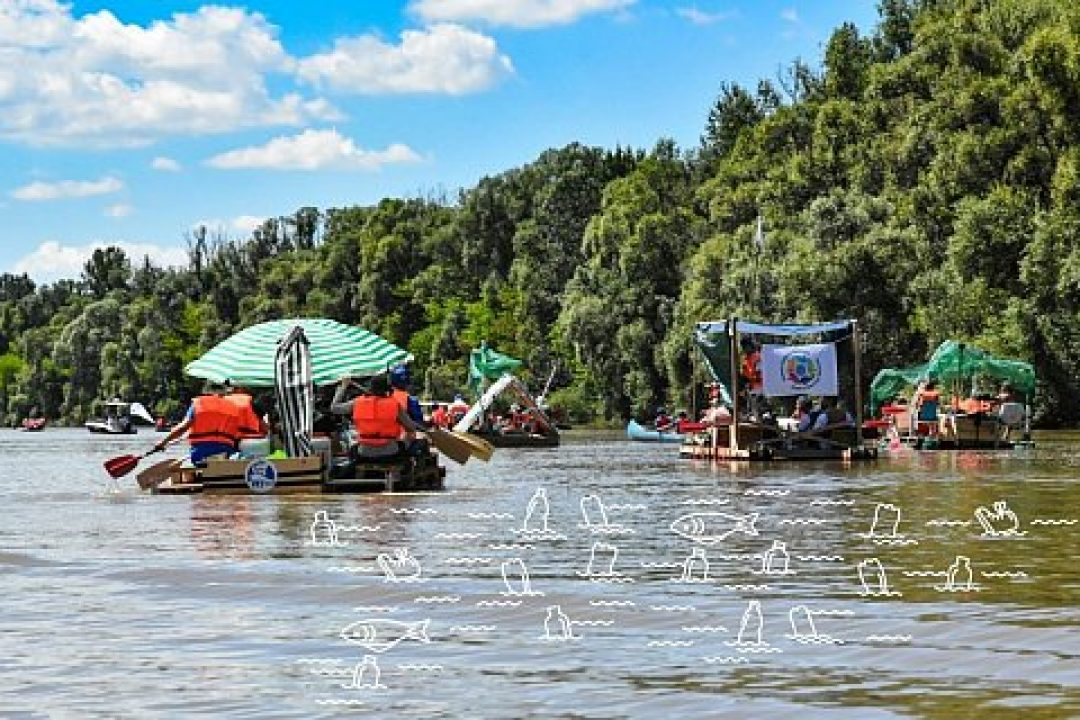The next pirate attack against waste on the Tisza River